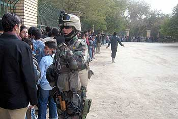soldado anonimo 2 trailer español