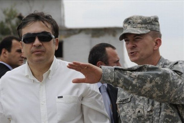 Gen. William B. Garrett and Georgian President Mikhail Saakashvili