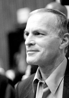Zittire i critici di Israele. La fobia della Germania per Norman Finkelstein [1]