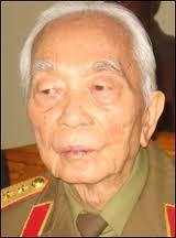 VIETNAM : Le général Giap a cent ans. Bon anniversaire !