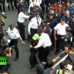 VIDEO: Brooklyn Bridge: Police Arrest 700 Occupy Wall Street Protesters