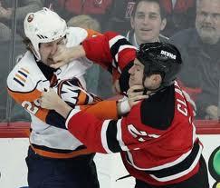 La mort de trois « bagarreurs » au hockey : Les contradictions tragiques du sport professionnel