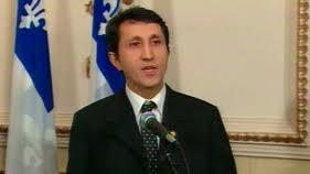 Point de presse du politicien Amir Khadir, suite au fin des négociations du conflit étudiant au Québec