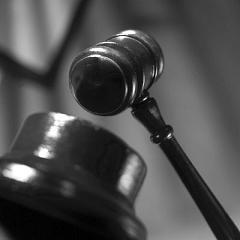 QUÉBEC : Les juristes prennent la rue pour dénoncer la loi spéciale