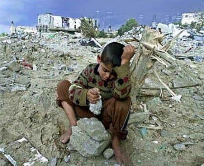 gaza-destruction-boy