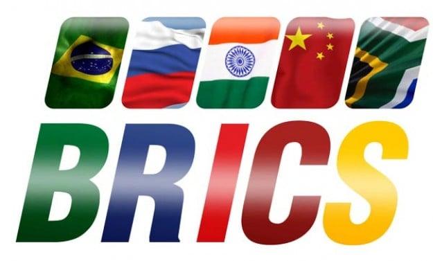Banka BRICS zahajuje globální dedolarizaci