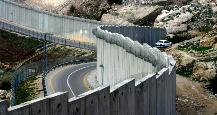 Understand the Israeli – Palestinian Apartheid In 11 Images