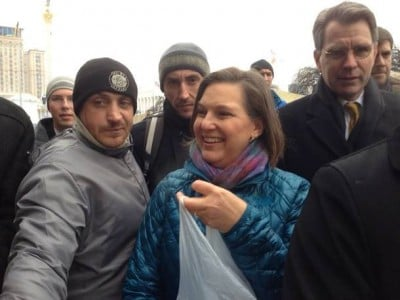 Victoria Nuland in Kiev pushing for regime change - MDN - SCF