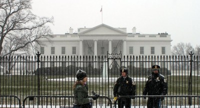white-house-snow