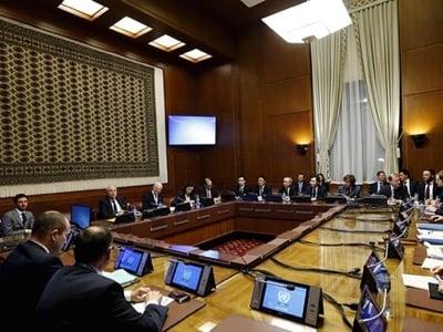 シリア・デ・Misturaは、スイス・ジュネーブの国連欧州本部で安全保障理事会の5常任理事の代表とシリアの会議に出席するための国連特使の一般的な見解