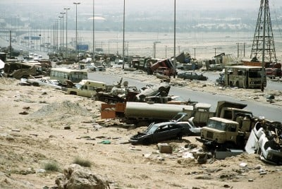 Twenty five years ago the 1991 iraq gulf war america bombs the the indiscriminate bombing of tens of thousands of iraqi troops and civilians retreating from kuwait is one of the most heinous war crimes in history sciox Image collections