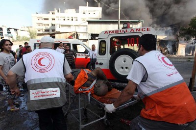 Palestinians-rushed-to-Al-Shifa-Hospital-After-Shujaya-market-bombed-Gaza