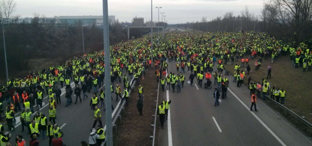 French Government Moves to Impose a Police State in Response to Gilets Jaunes