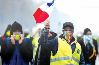 The Ghosts of Revolution? The Yellow Vests Rise Up against the Totalitarian Financial Empire.