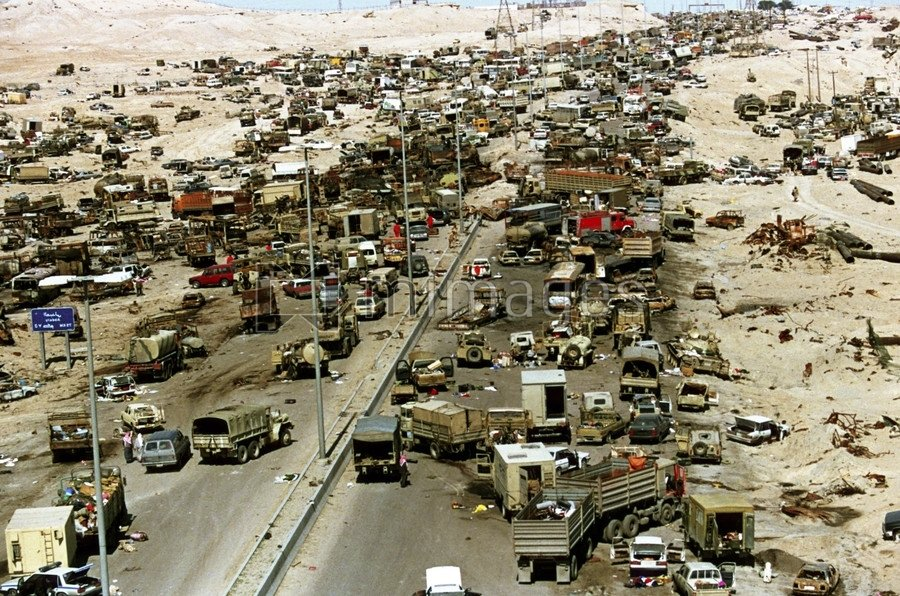 https://www.globalresearch.ca/wp-content/uploads/2018/12/iraqhighway-of-death.jpg