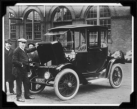 """""""The American Love Affair with the Automobile"""": The Unspoken History of the Electric Car"""