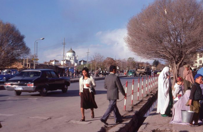 Street scene in Kabul, November 1978. During the Marxist Taraki period, women were free to dress as they wished with no restrictions. Photo by John Ryan